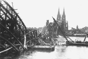 The Hohenzollernbr�cke in Cologne after the second world war