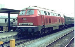 V 162 in original dark-red livery | Photo: Christian Splittgerber